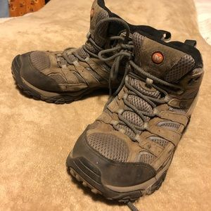 Merrel Hiking Boots Size 8 Wide